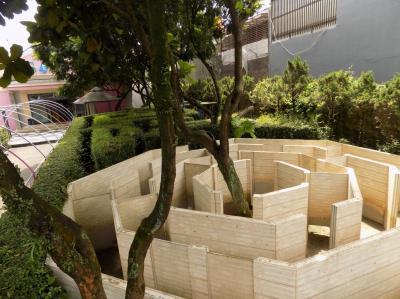 Labirin dan Maze