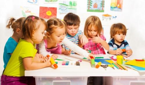 Alasan Perkembangan Sosial Anak Lebih Penting daripada Nilai A