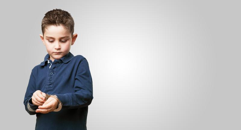 Apakah Sanksi Pidana Anak dan Orang Dewasa Sama?