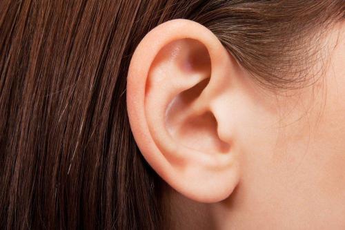 Kenali Cara Bersihkan Telinga Anak