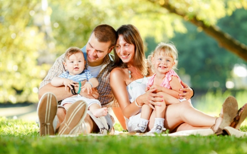 Kenapa Penting Dukung Anak Tumbuh Bahagia?