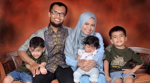 Kisah Ketegaran Ibu Dari 2 Anak Berkebutuhan Khusus