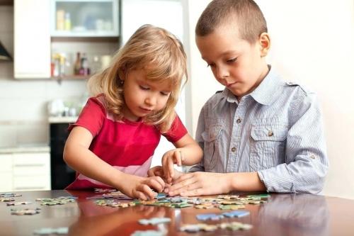Manfaat Bermain Puzzle Untuk Kecerdasan Anak