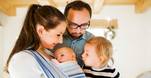 Peran Ayah dan Bunda Dalam Mengasuh si Kecil