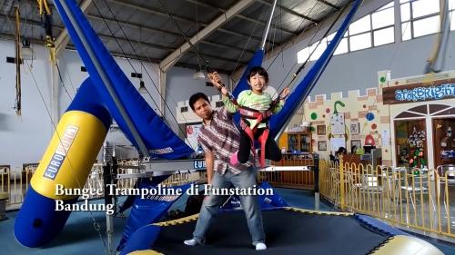 Selain Menyenangkan, Trampolin untuk Anak Memiliki Banyak Manfaat Lho!