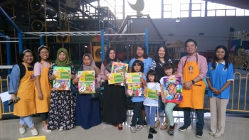"Family Fun Day ""Lomba Mewarnai"" with Gummy Art"